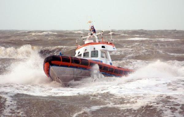 Siracusa, bloccati in barca per il troppo vento: interviene la Capitaneria