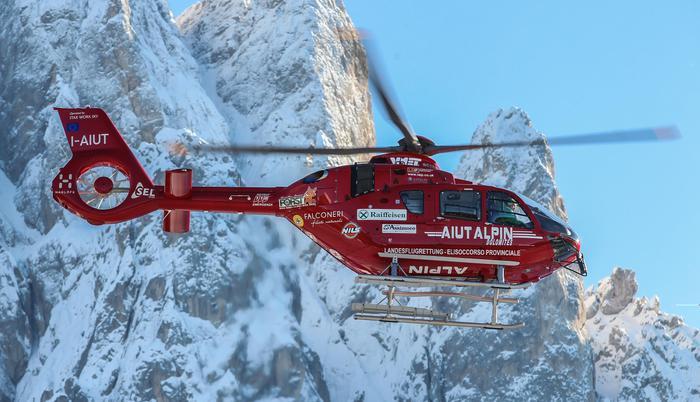 Valanga sulle Dolomiti del Brenta, un morto e 4 feriti: inchiesta a Bolzano su Val Senales