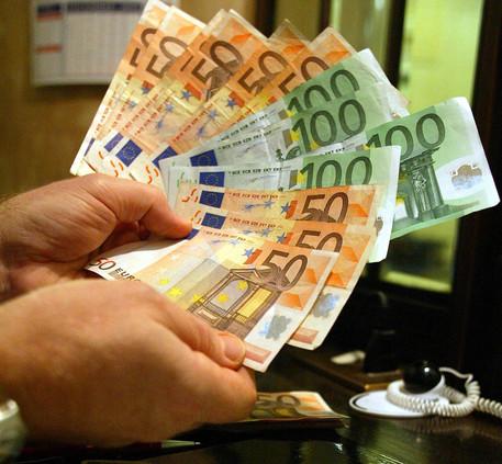 Cresce il reddito delle famiglie in Italia, ma tra i Paesi dell'Ocse è fra gli ultimi
