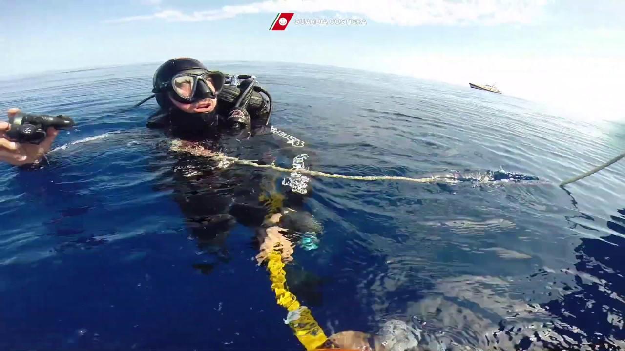 Naufragio a Lampedusa, in arrivo sommozzatori per ricerca delle salme
