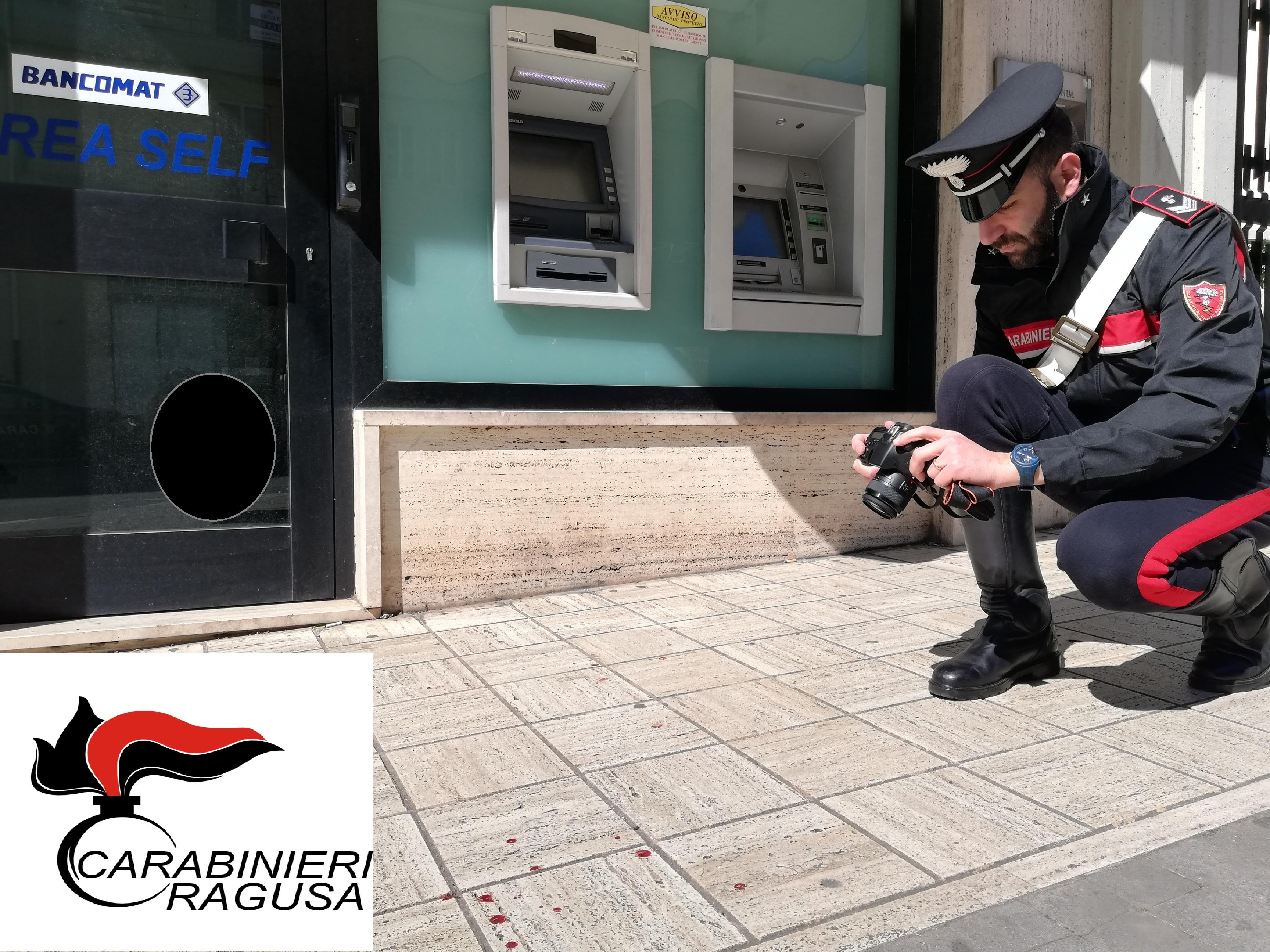 Titolare di un supermercato aggredito e rapinato a Ragusa: bottino 14 mila euro