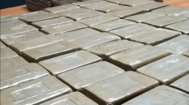 Sorpresi con mezzo chilo di droga e soldi, due arresti a Castelvetrano