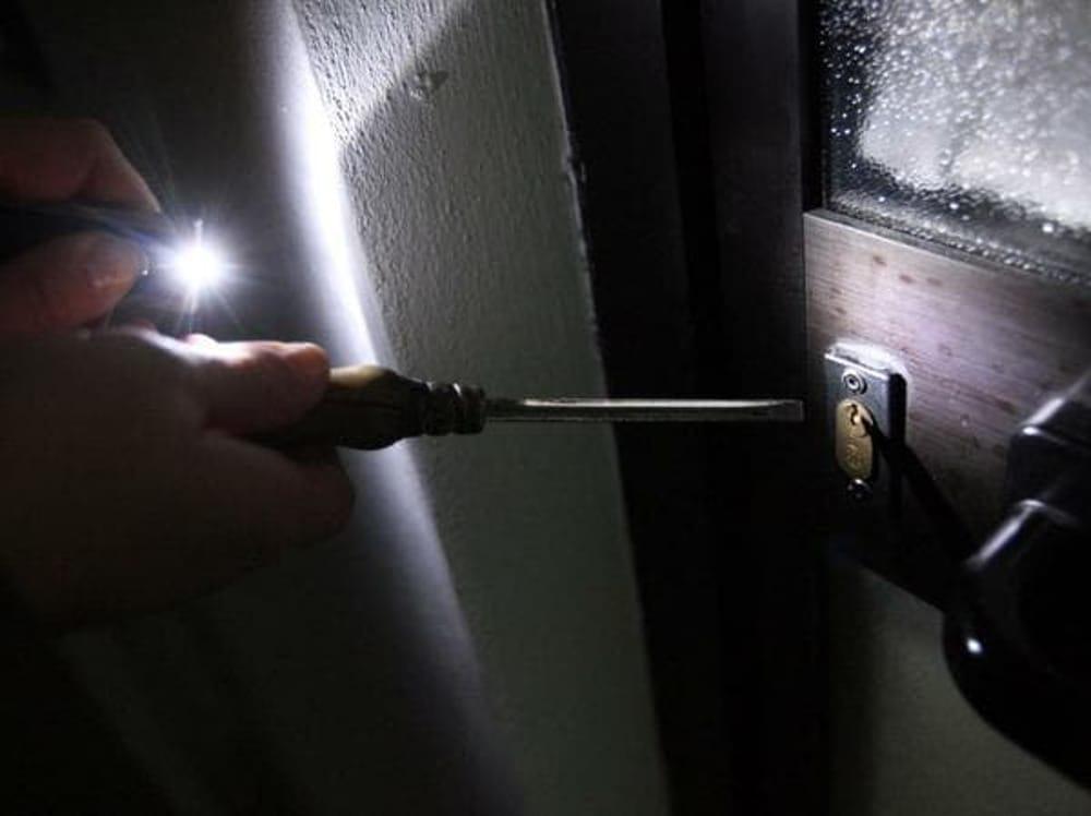 Sorpreso a rubare in un'abitazione di Pachino, arrestato