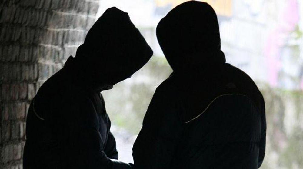 Sorpreso mentre spaccia droga ad Adrano, arrestato dalla polizia