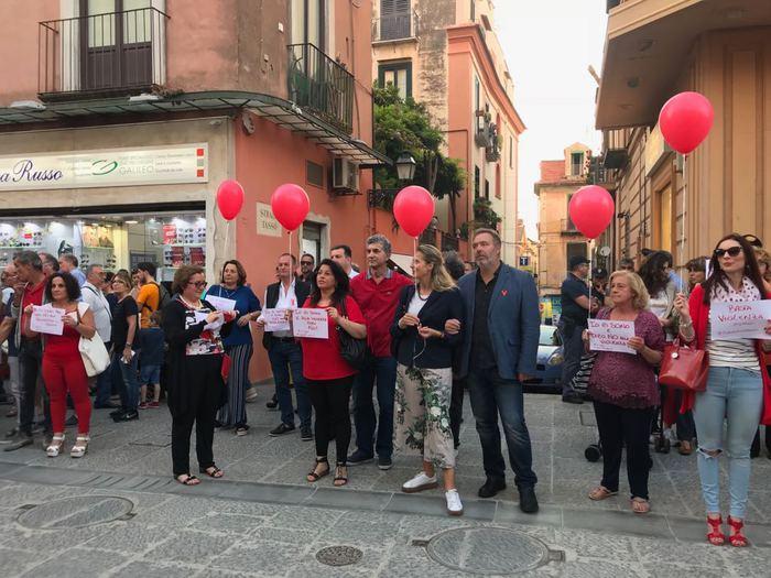 Flash mob a Sorrento per la turista stuprata dal branco