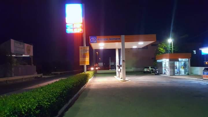 Rapina prima dell'alba a Floridia: assaltato rifornimento di benzina