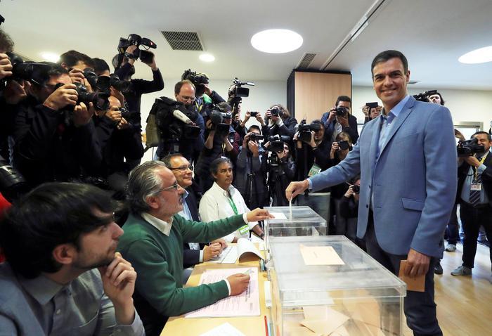 Exit poll in Spagna, i Socialisti in vantaggio: estrema Destra in Parlamento