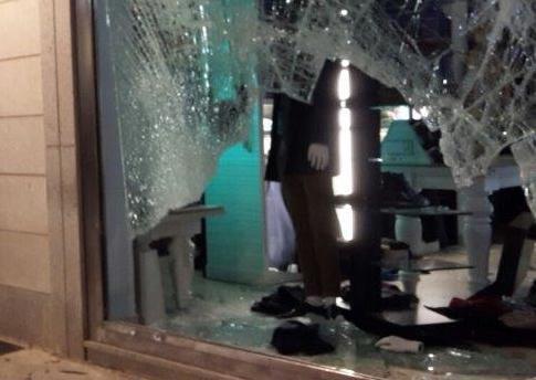 Palermo, tentano furto con 'spaccata' alla boutique 'Visiona'
