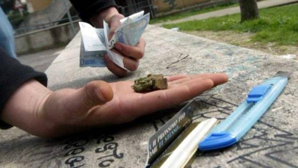 Sorpreso con droga pronta allo spaccio, arresto a Barrafranca