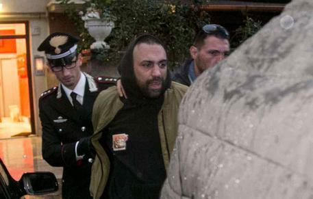 Aggredì i giornalisti Rai ad Ostia, Roberto Spada a processo