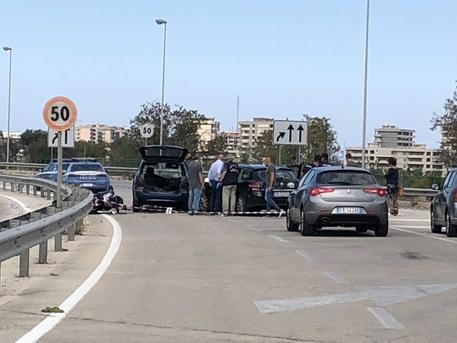 Sparatoria durante un inseguimento a Bari: un morto e un ferito
