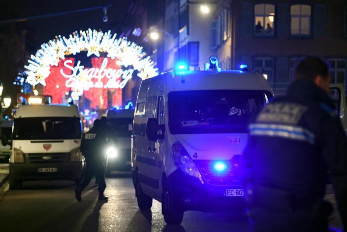Spari al mercatino di Natale di Strasburgo, almeno tre morti