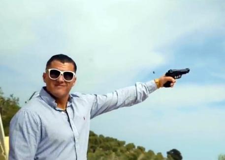 Mafia e spari in video rap pubblicato su YouTube, perquisizioni nel Foggiano