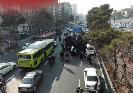 Iran: spari su una parata militare ad Ahvaz, almeno 10 morti
