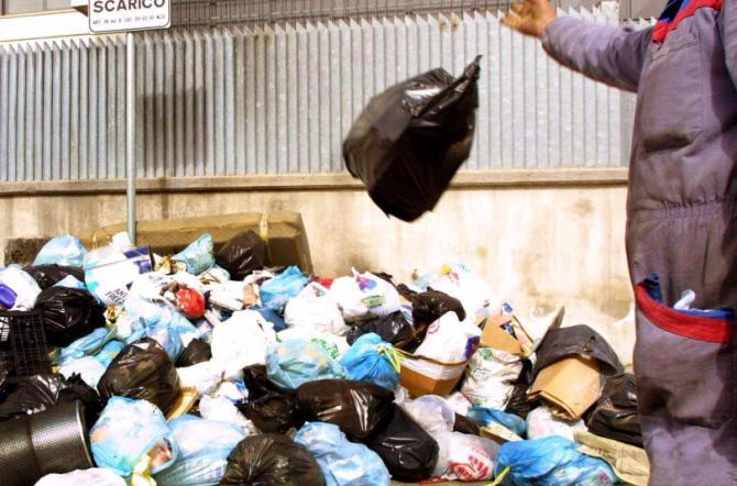 Francofonte è in piena emergenza rifiuti: non può scaricare a Melilli