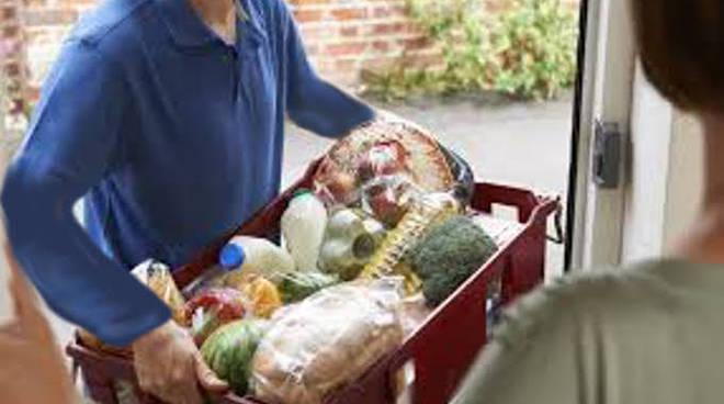 Agira 'zona rossa', stop ai supermercati: soltanto spesa a domicilio
