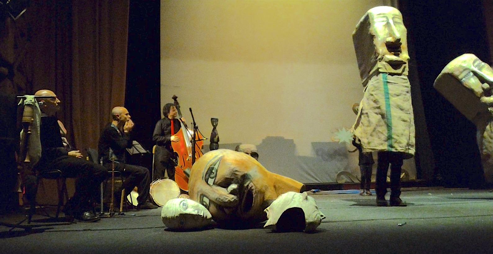 """Pupi, marionette e musica: al teatro di Vittoria """"Apotropaica"""""""