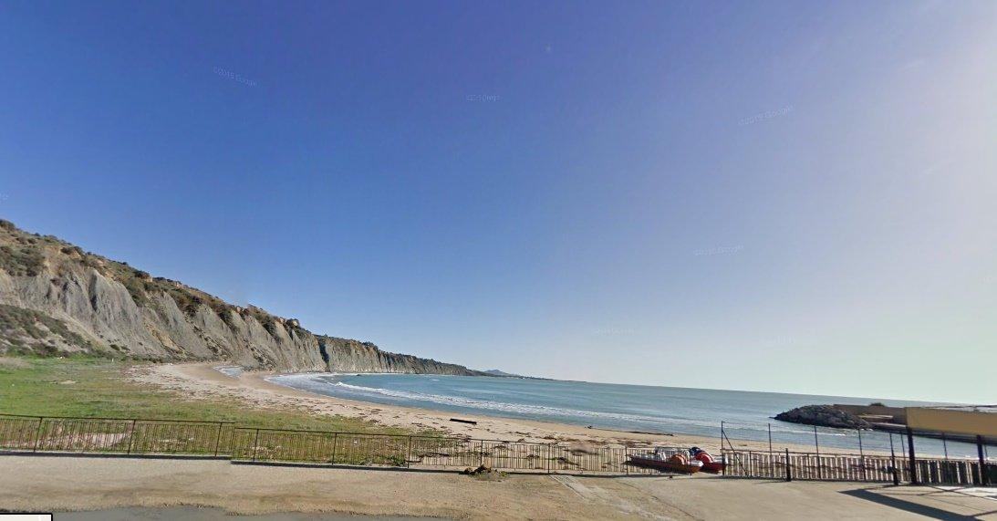 Agrigento, crolla costone della spiaggia del Kaos: nessun ferito