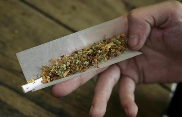 Lentini, pochi grammi di 'fumo' in casa: denunciato