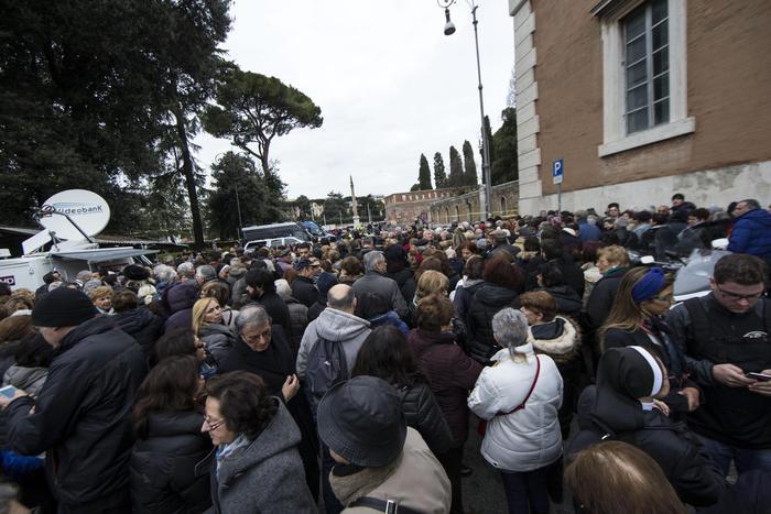 Le spoglie di San Pio arrivate nella basilica di San Lorenzo a Roma