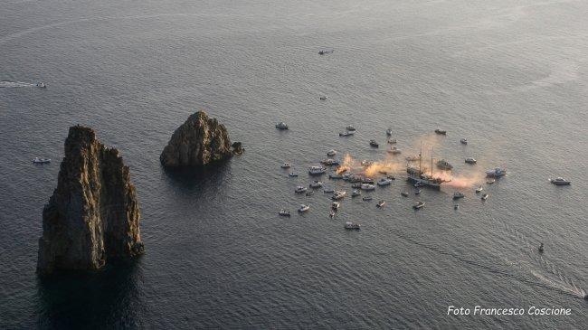 """""""Sposalizio dei Faraglioni"""", cento barche per la manifestazione di Lipari"""