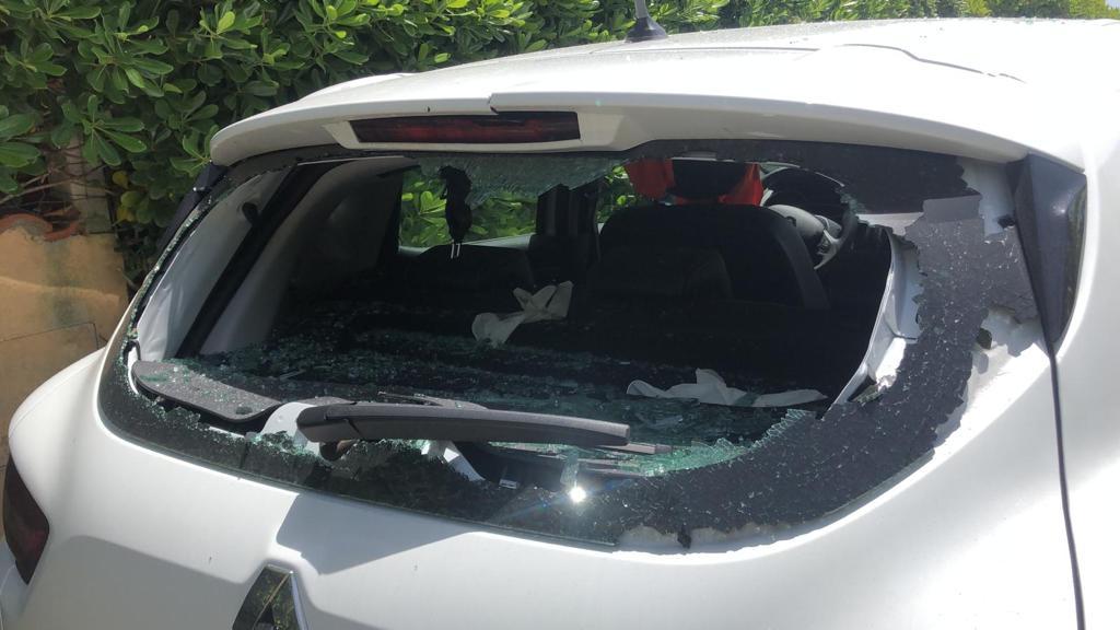 Prese a sprangate il suo ex e la sua auto, denunciata 29enne di Rosolini