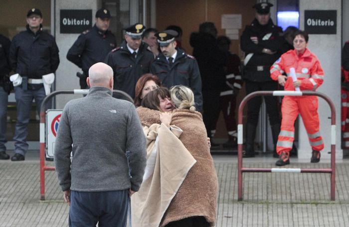 Ancona, spray in discoteca e poi strage: minore identificato