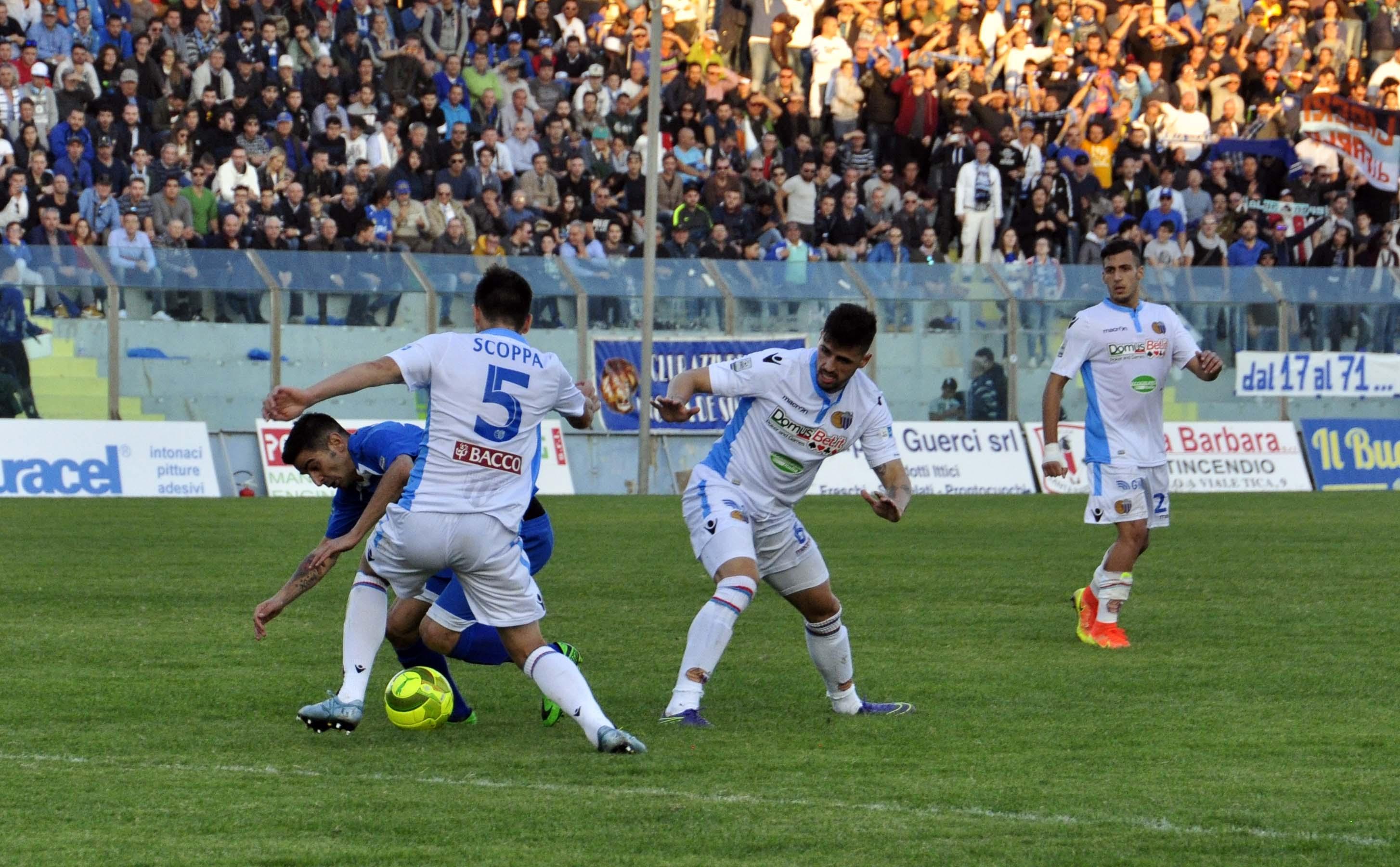 Riviate 6 partite in Lega Pro: per ora non si gioca il derby Catania-Siracusa