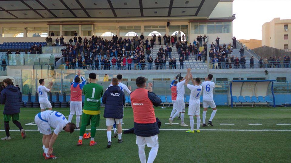 Il Siracusa capolista vince contro il Modica con un punteggio tennistico (6-2)