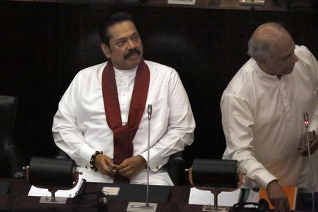 Sri Lanka, si dimette il controverso primo ministro Rajapaksa