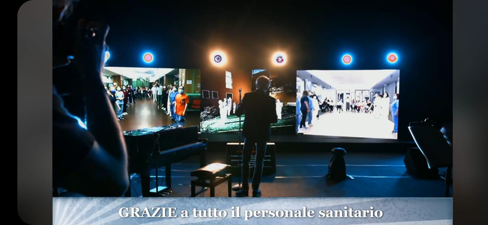 Dal Sant'Orsola di Bologna gli Stadio in concerto: e all'Umberto I di Siracusa lo staff anti covid fa festa (GUARDA LE FOTO)