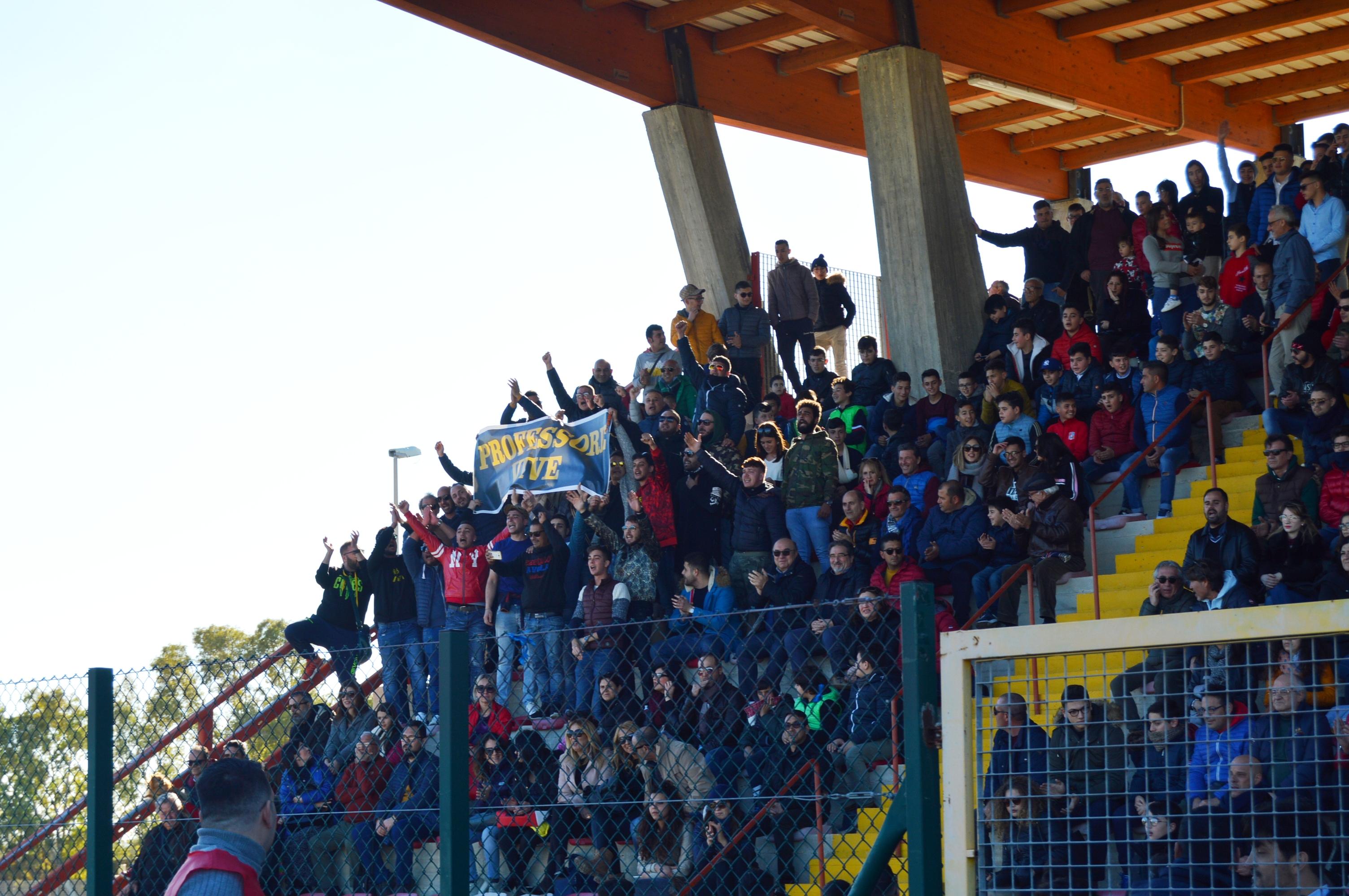 Domenica di festa ad Avola per lo stadio ma il derby lo vince il Noto ( 1 - 4) FOTO