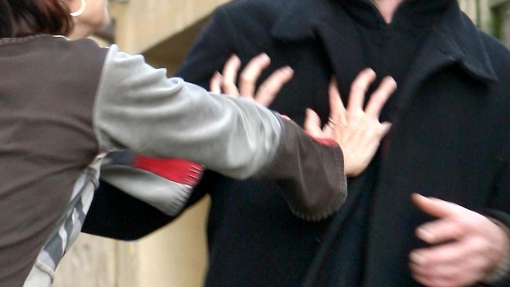 Stalking, aggredisce in strada l'ex convivente, arrestato ad Avola
