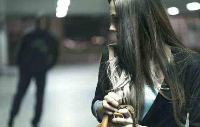 Non poteva avvicinarsi all'ex moglie: denunciato a Siracusa