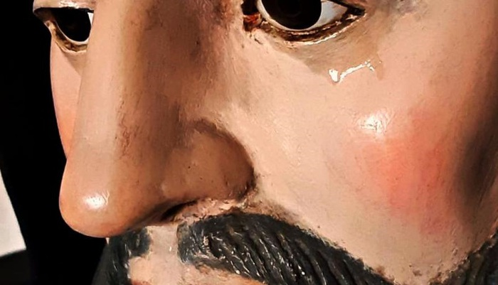 Lacrime sulla statua di San Francesco nel Vibonese