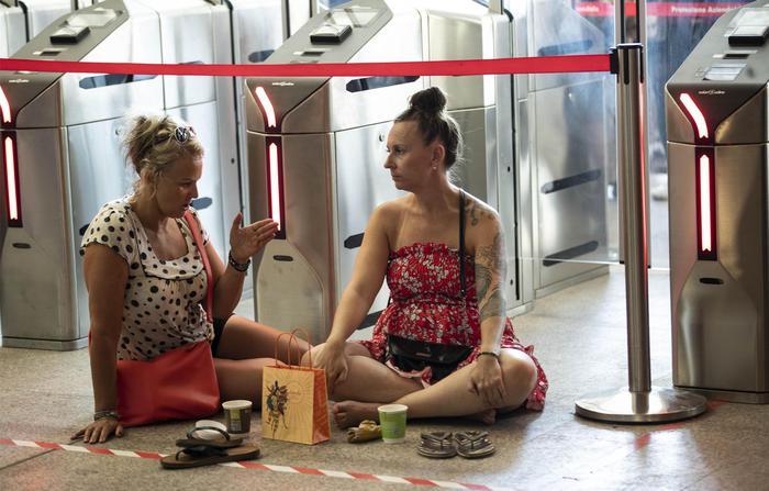 Incendiata una cabina elettrica, caos treni tra Roma e Firenze
