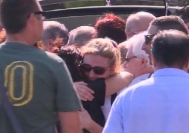 Un bagno di folla a Mascalucia per l'ultimo saluto a Giorgio