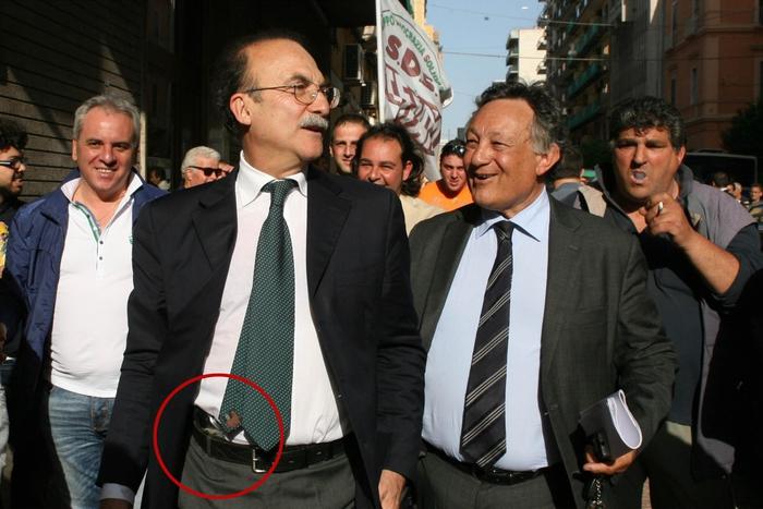 Sindaco di Taranto festeggiò la sua elezione armato: assolto anche in Appello