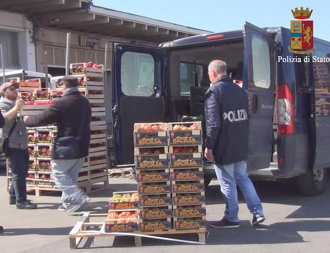 Blitz al mercato di Vittoria, alt a 8 tonnellate di prodotti non tracciati