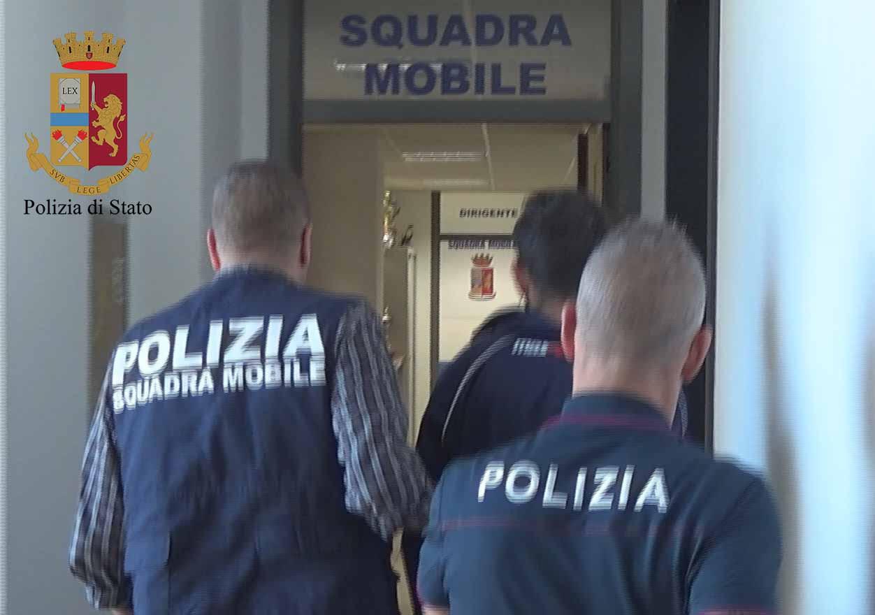 Pedofilia, fa sesso con dodicenni: arrestato a Vittoria (VIDEO)