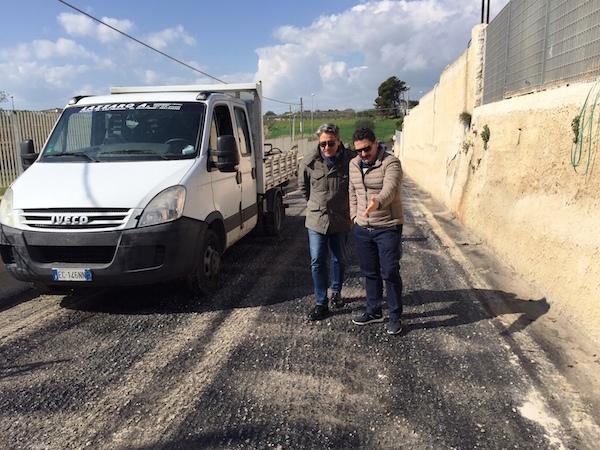Pachino, contrada Cozzi: al via la manutenzione del manto stradale