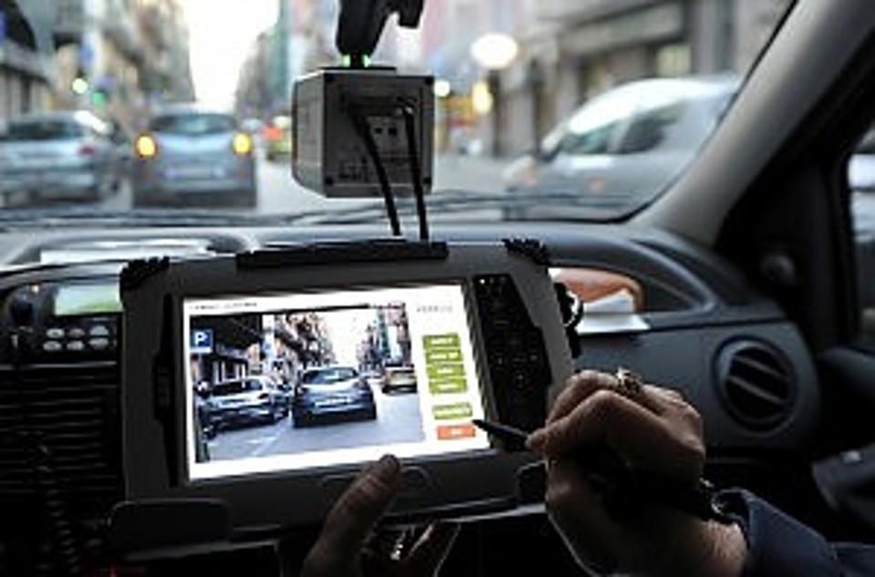 Street Control, a Catania 2359 multe per divieto di sosta nel 2016