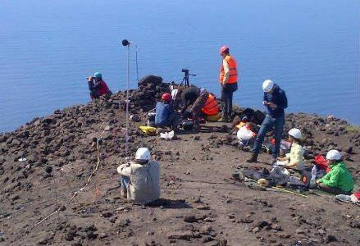 Esperti dell'Ingv a Stromboli per studiare i crateri attivi del vulcano