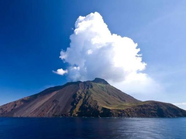 Lo Stromboli rimane a rischio, l'Ingv: 'Situazione  del vulcano instabile'