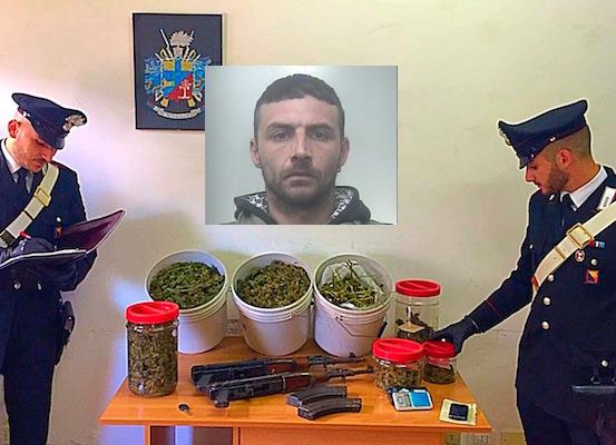 Lentini, nascondeva in garage un arsenale d'armi e droga: arrestato