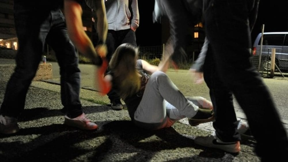 Violentata dal branco a Bari, vittima una quindicenne