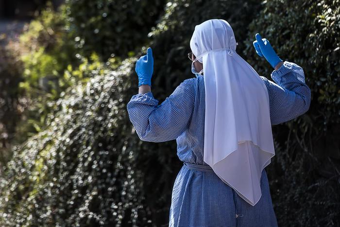 Isolati due conventi a Roma e provincia: 59 suore positive al test del coronavirus