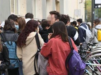 Più di 200 mila studenti siciliani delle Superiori domani tornano in classe