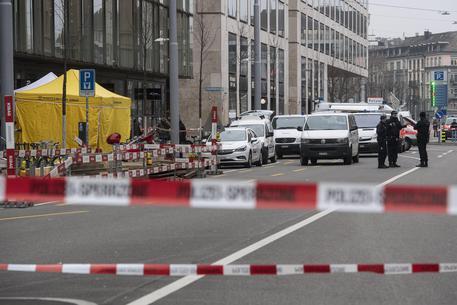 Svizzera, un uomo pugliese spara alla moglie e poi si suicida