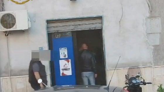 Spaccio di droga nel rione Tamburi: sei arresti a Taranto
